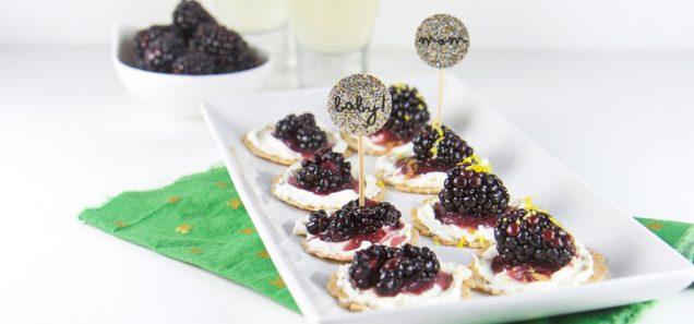 Blackberry Cream Cheese Cracker Bites