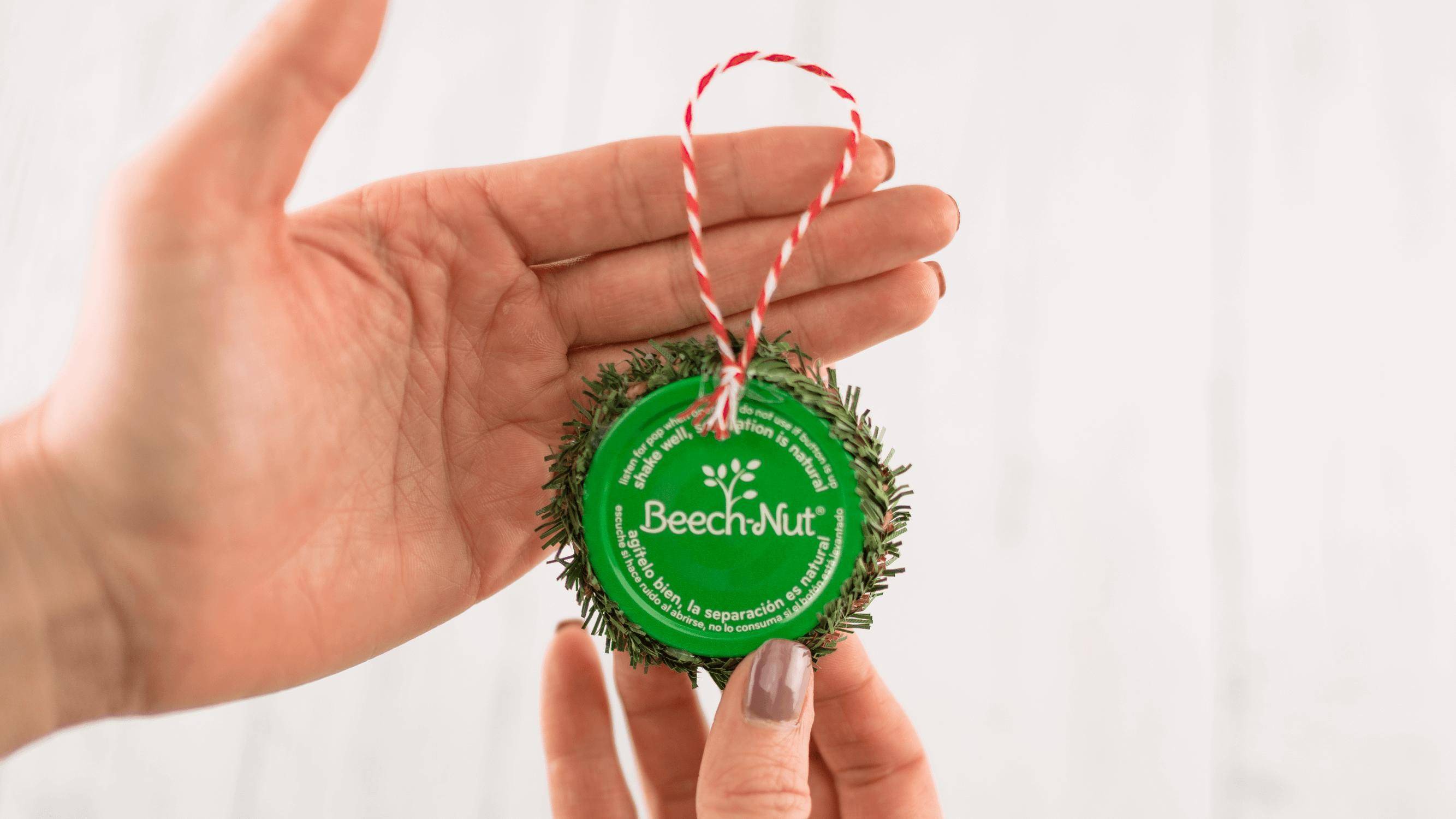 An easy finished holiday ornament for your tree