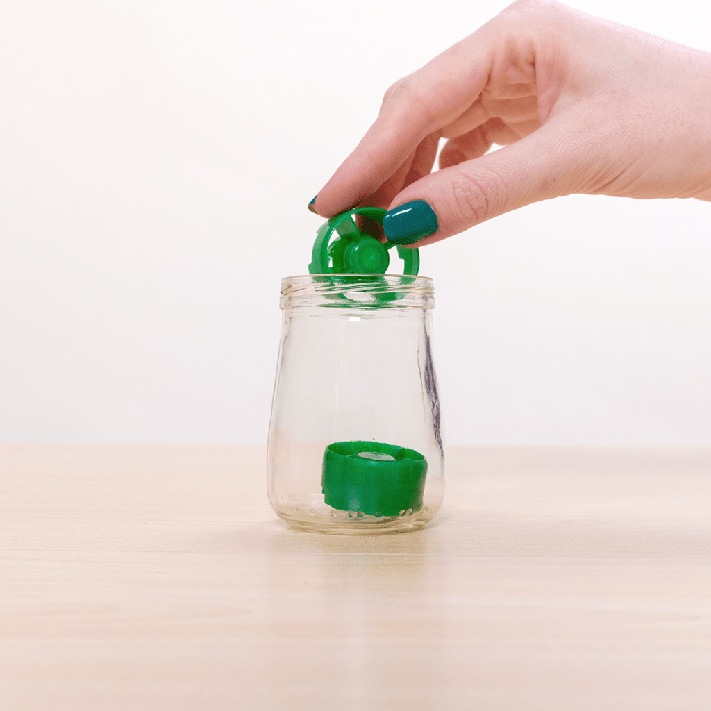 fill jar with pouch caps